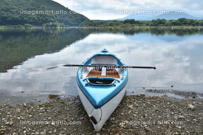 精進湖とカヌーの販売画像
