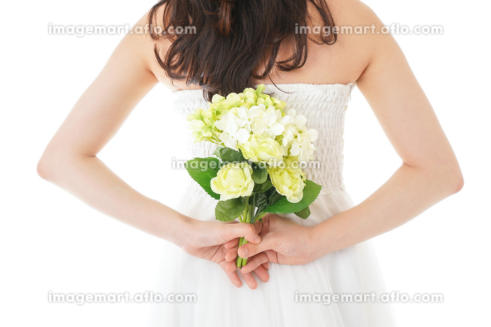 ブーケを持つ花嫁の販売画像