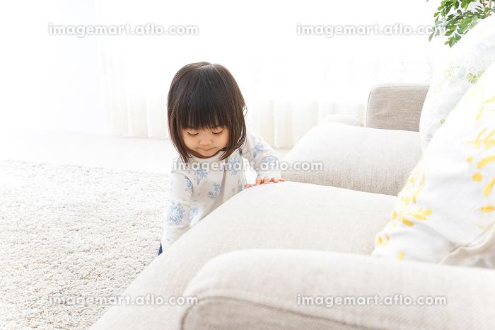 掃除をする子供の販売画像