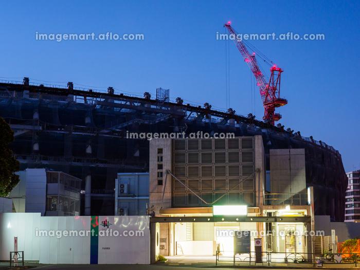 新国立競技場 建設中 夜景 2017年12月撮影の販売画像