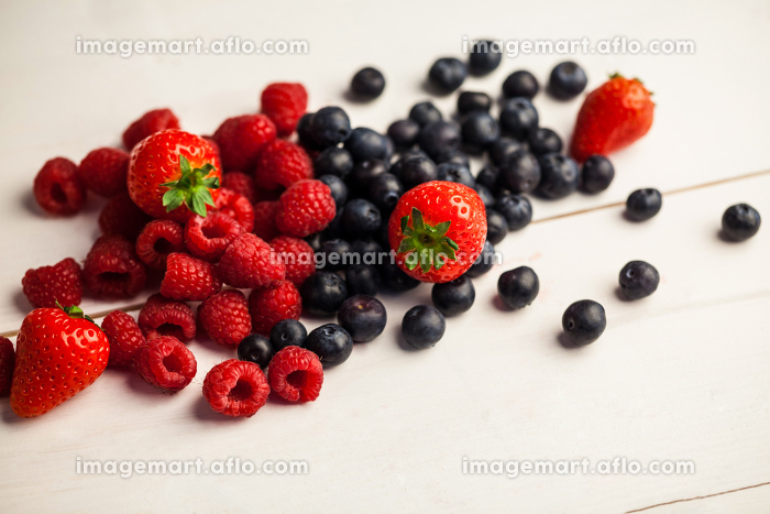 Fresh berries in close upの販売画像