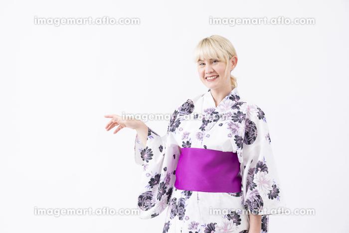 浴衣を着てみた外国人さんの販売画像
