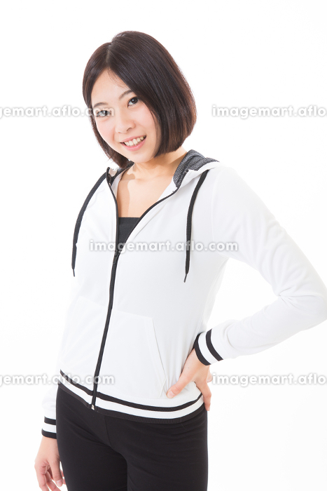 スポーツをする女性の販売画像