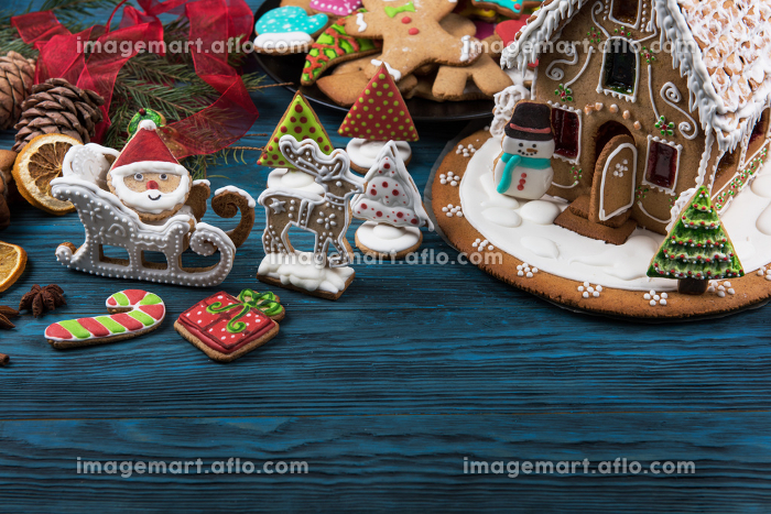 Gingerbreads for new years and christmasの販売画像