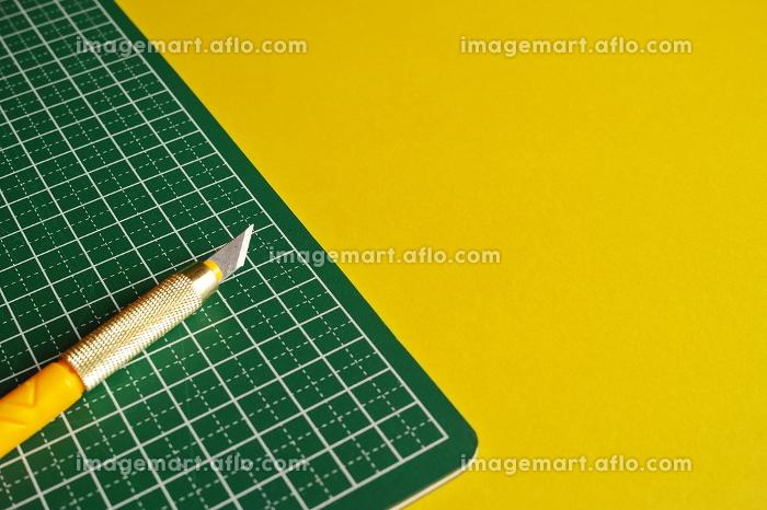 デザインナイフとカッティングマットの販売画像