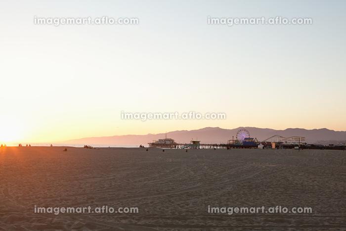 Santa Monica Beach and pier, Los Angeles County, California, USAの販売画像
