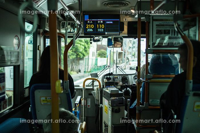 バスの車内の販売画像