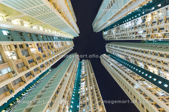 Skyscraper building from low angleの販売画像