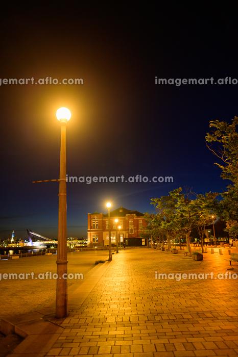 北九州市の有名な観光地門司港レトロの美しい夕暮れの販売画像
