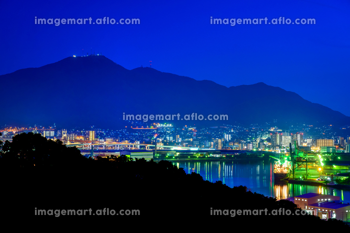 高塔山から見る八幡の街並みの夜景の販売画像