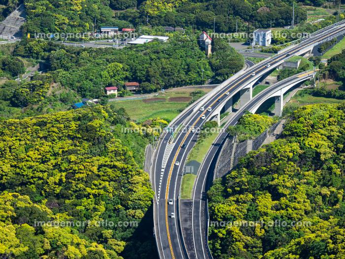森の中の自動車道 千葉県鋸山からの館山自動車道の販売画像