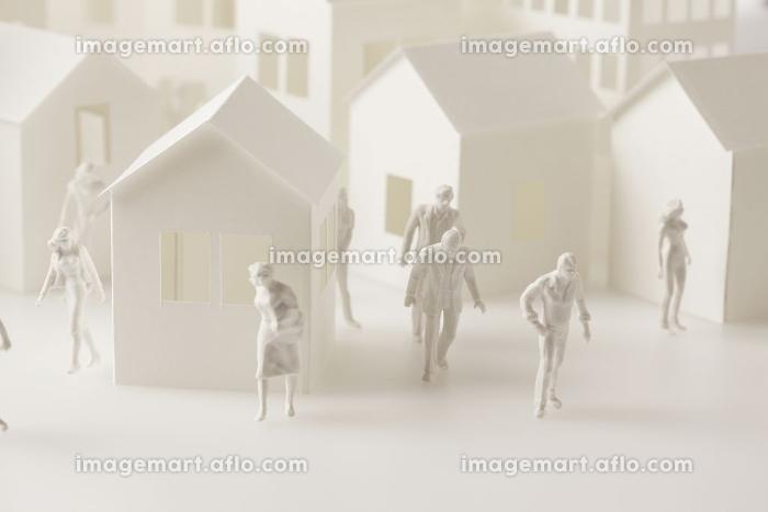 ペーパークラフトと人物模型の販売画像