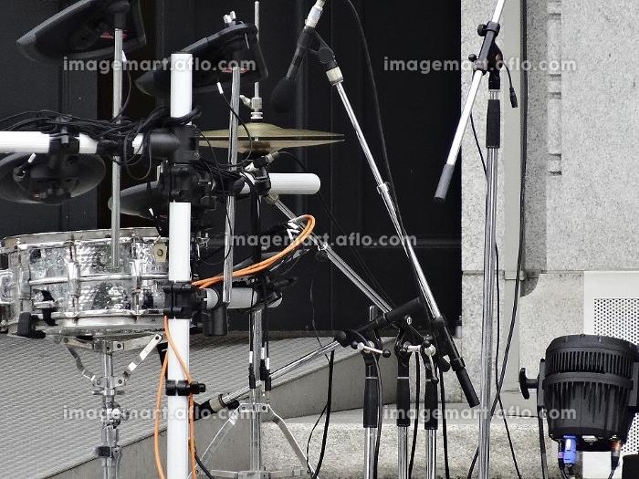 野外ライブコンサートの楽器の販売画像