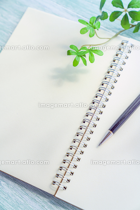 ペンとノートの販売画像