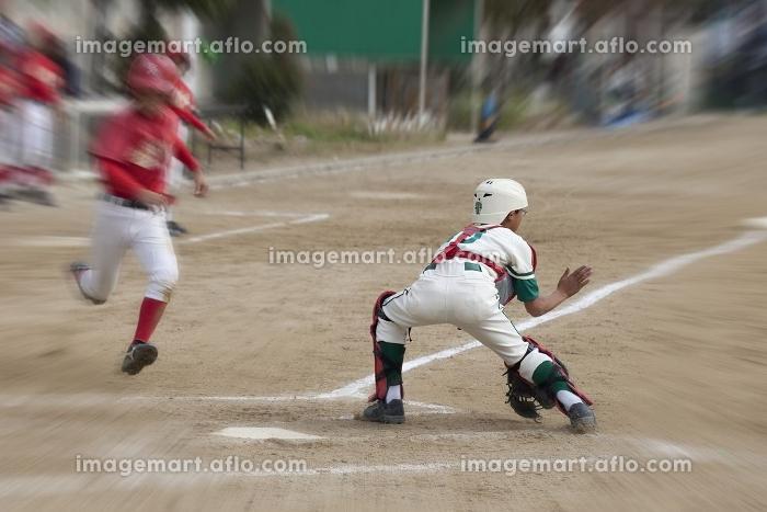 少年野球クロスプレー