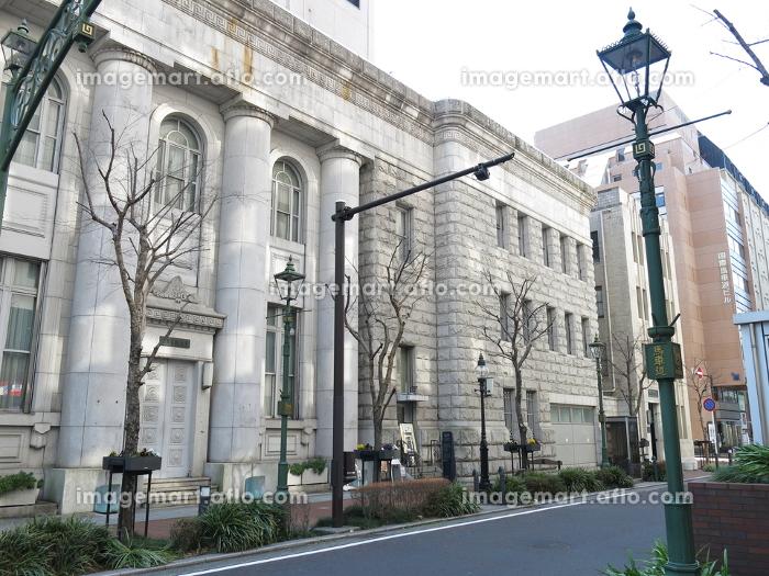 横浜馬車道の街並み(ガス灯・旧富士銀行横浜支店)の販売画像