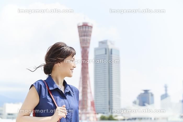 観光する日本人女性の販売画像