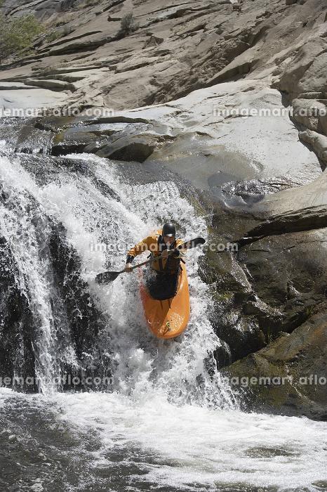 Young Man Kayakingの販売画像