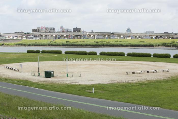 荒川土手の野球グラウンド
