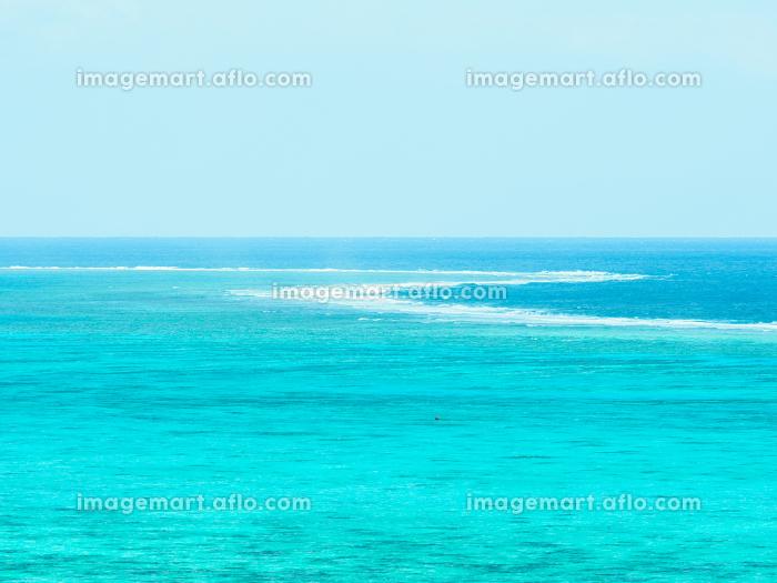石垣島のエメラルドグリーンの海とリーフの販売画像