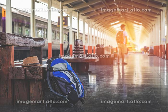 Traveler's bag at a train stationの販売画像
