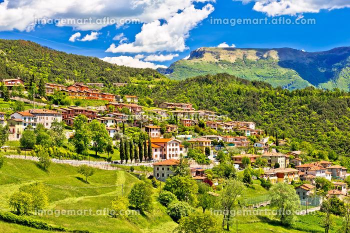 Picturesque mountain village of Vesio viewの販売画像