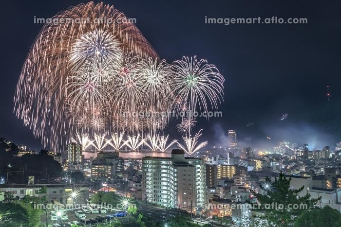 静岡県・熱海海上花火大会 2017 フィナーレの二尺玉の販売画像
