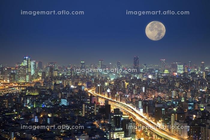 都会と月の合成の販売画像