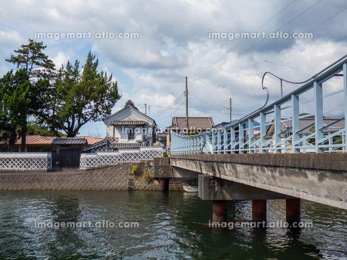 伊豆半島、松崎町を流れる川の風景 9月の販売画像