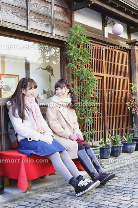 旅行を楽しむ日本人女性