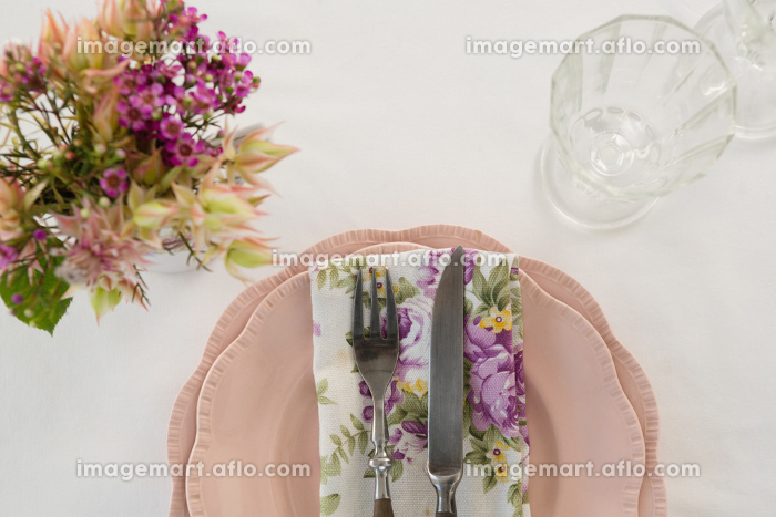 Beautiful floral theme table set for an occasionの販売画像