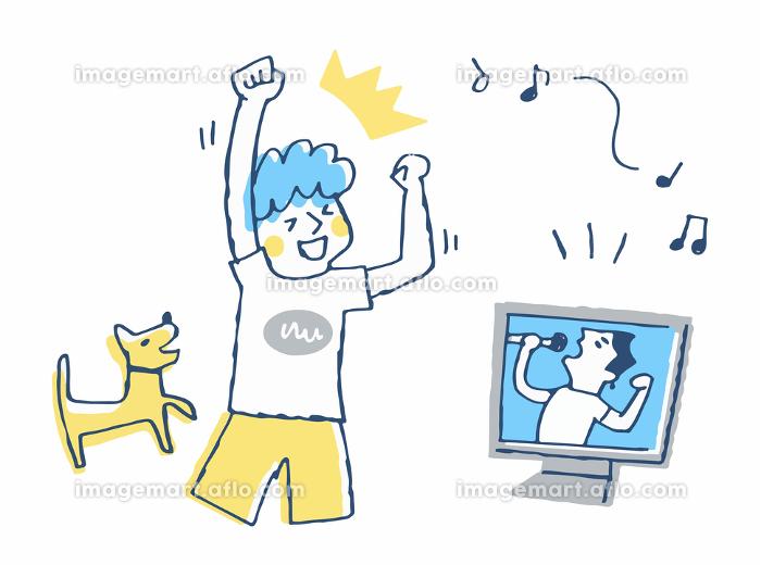 オンラインライブを楽しむ男性の販売画像