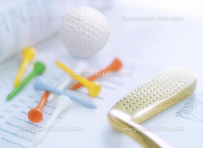 ゴルフクラブとカラーティーの販売画像