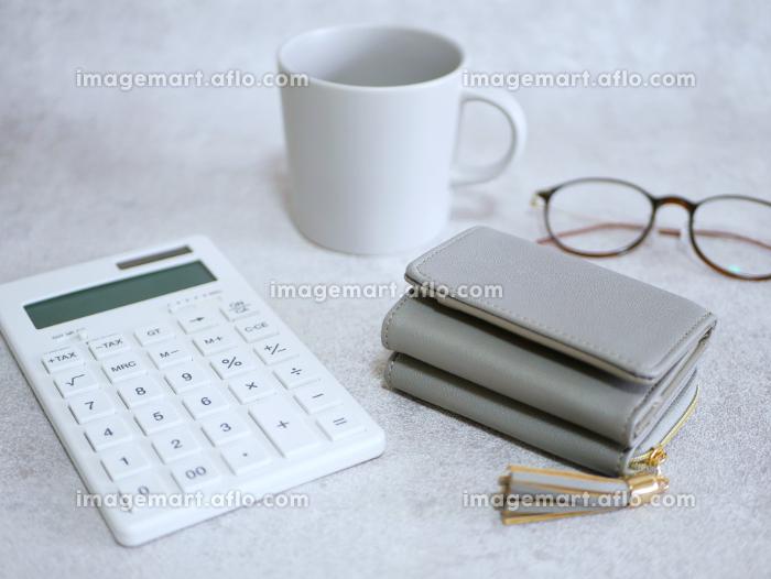 電卓とお財布の販売画像