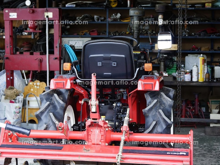 トラクターの修理