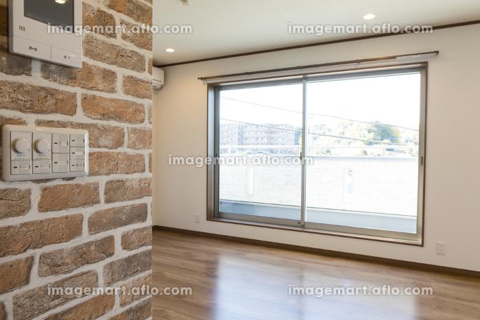 新築のリビングルームの販売画像