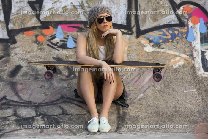 Skater Girlの販売画像