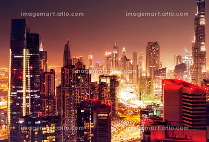 Dubai city at nightの販売画像
