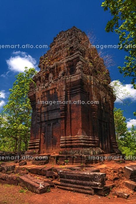 カンボジア・コーケー遺跡群の風景 プラサット・ニエンクマウの風景の販売画像