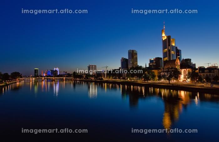 ドイツ 塔 長身の販売画像