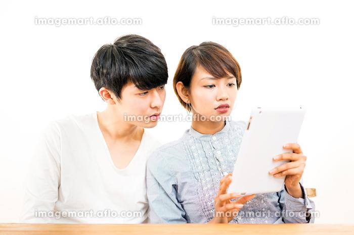 タブレットPC・インドネシア人・日本人の販売画像