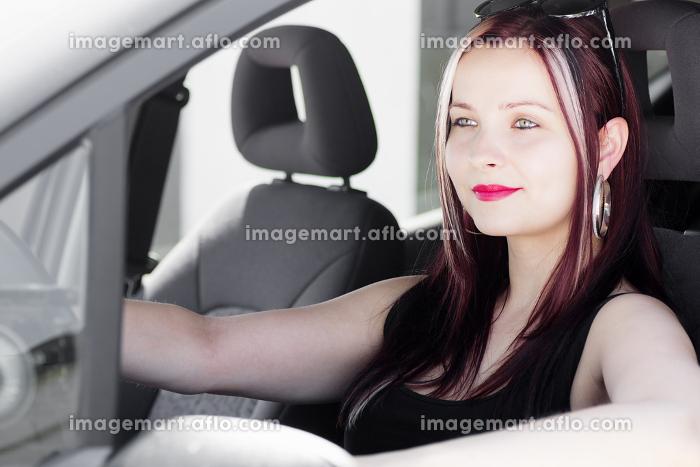 pretty female driverの販売画像