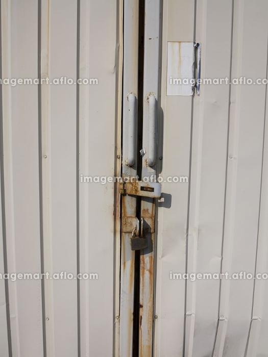 倉庫の門扉
