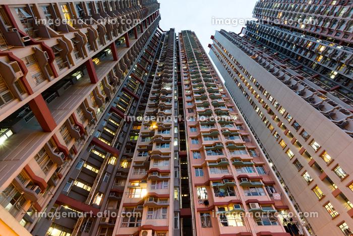 Apartment building at sunsetの販売画像