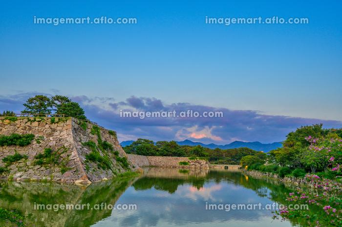 歴史的に有名な夕暮れの萩城址(山口県)の販売画像