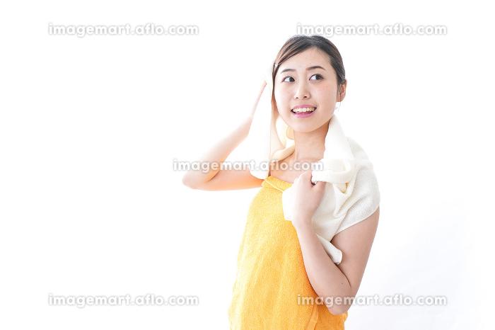 入浴後の女性の販売画像