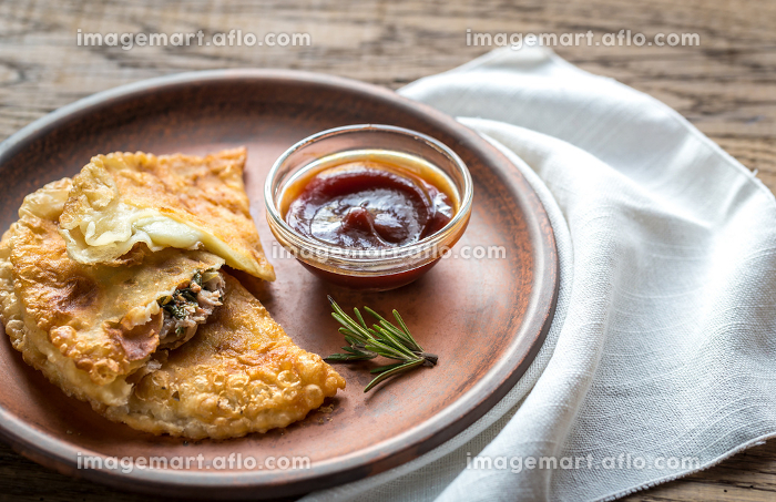 Meat patties on the plateの販売画像