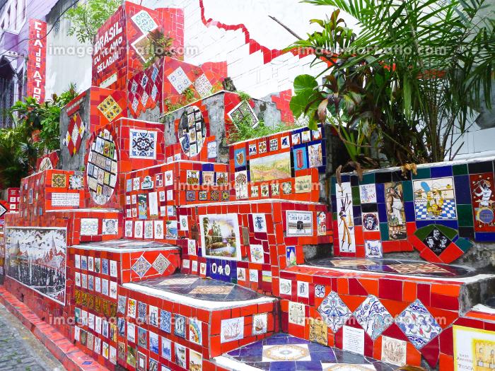 ブラジル・リオデジャネイロの観光名所であるタイル絵のセラロン階段の一角の販売画像