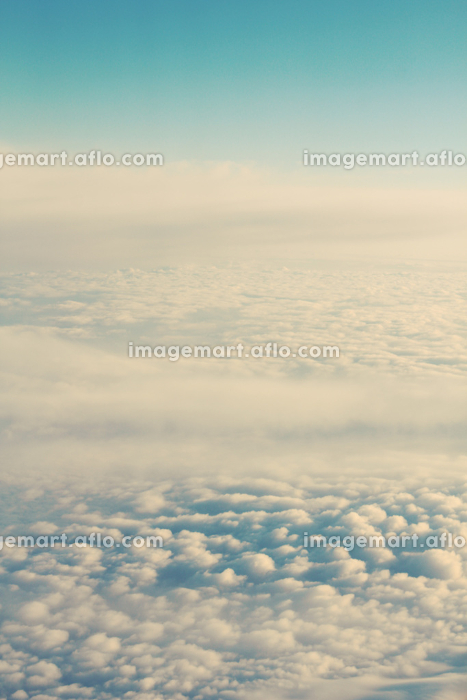 blue sky, clouds and sun behind the clouds, sun, sunrise and sunset, instagram effectの販売画像