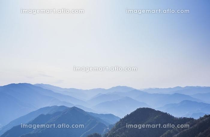 玉置神社から見た山々の風景の販売画像